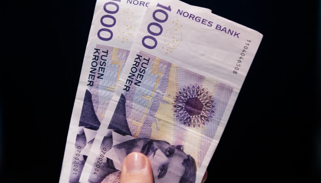 <strong>KONTANT:</strong> Du må aldri betale kontant for rydding av et dødsbo, mener Stig Pedersen, leder i Norsk Flytteforbund. Foto: NTB Scanpix
