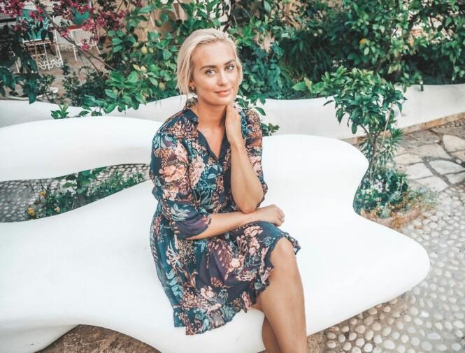 <strong>GLEDER SEG:</strong> Andrea gleder seg ti lå se hva «Love Island» har å by på. Foto: Privat