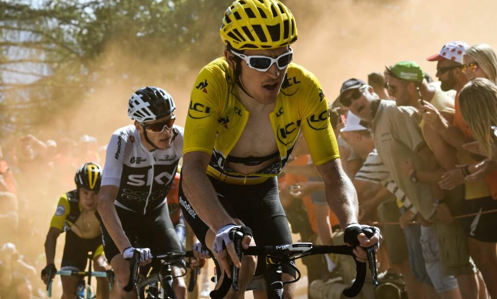 I TET: Etter tolv etapper leder Geraint Thomas (i gult) Tour de France foran lagkompis Chris Froome (bak). Jeff Pachoud/Pool via REUTERS