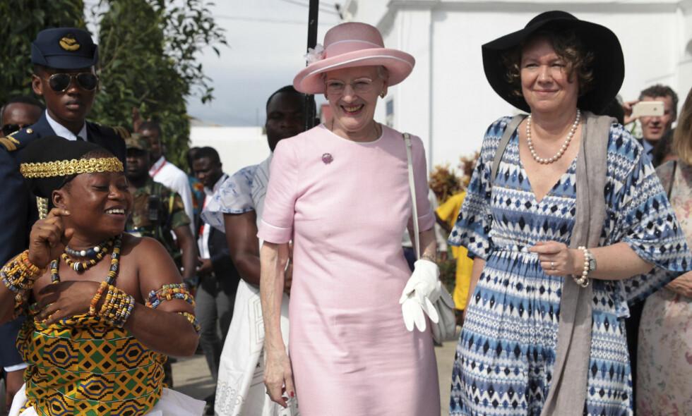 DYRT: Dronning Margrethe var i november tre dager i Ghana, der hun blant annet har åpnet en ambassade. Turen ble derimot alt annet enn en billig affære for Danmark, som satt igjen med millionregningen. Foto: NTB scanpix