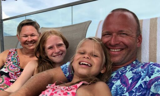 image: Frustrert familie strandet i Nice: Satt fem timer i telefonkø hos SAS' kundeservice