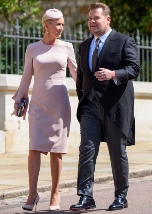 KONGELIG BRYLLUP: James Corden og kona Julia Carey før bryllpet til hertuginne Meghan og prins Harry i mai. Foto: NTB Scanpix