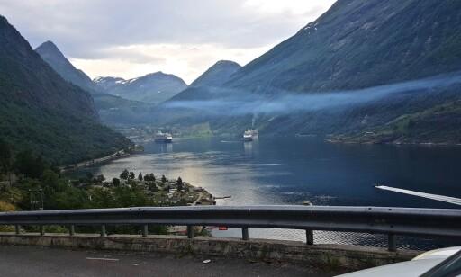 Fjern røyken: Geiranger frykter å bli bygda som blir kjent for forurensende cruiseskip. Foto: Leserbilde