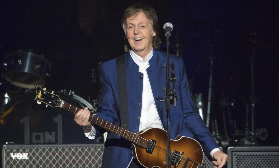 LEGENDE: Paul McCartney gledet mange da han denne uken tok turen til Abbey Road i London. Her fra en konsert i Florida for et par uker siden. Foto: NTB Scanpix