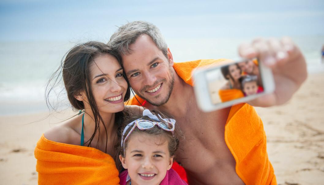 <strong>FERIEMINNER:</strong> Før eller senere vil mobilen din bli full når du tar bilder og video. Derfor er det viktig å velge riktig lagring på nett. Foto: Jack Frog/Shutterstock/NTB scanpix