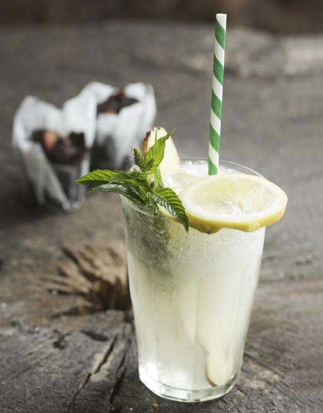 ALKOHOLFRI SOMMERDRIKK: Forfriskende og deilig drikk. På fest vil de som velger alkoholfritt garantert sette stor pris på et alternativ til farrisen.