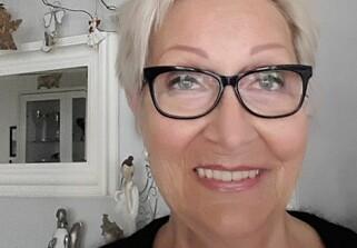 SKJØNNER IKKE MISNØYEN: Grue-innbygger Marit Aasthorp Figved (73) ønsker «Farmen» velkommen til bygda. Foto: Privat