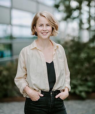 Anja Bakken Riise, leder av Framtiden i våre hender - i en vintage silkeskjorte. Foto: Framtiden i Våre Hender