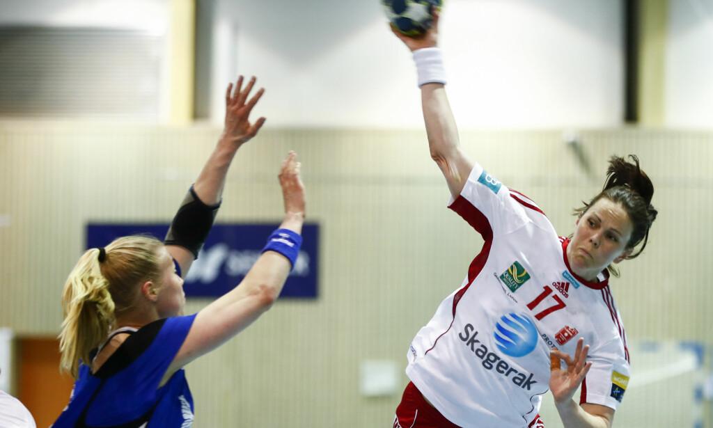 UTE: Tine Stange er gravid og går glipp av neste håndballsesong. Foto: Terje Pedersen / NTB scanpix