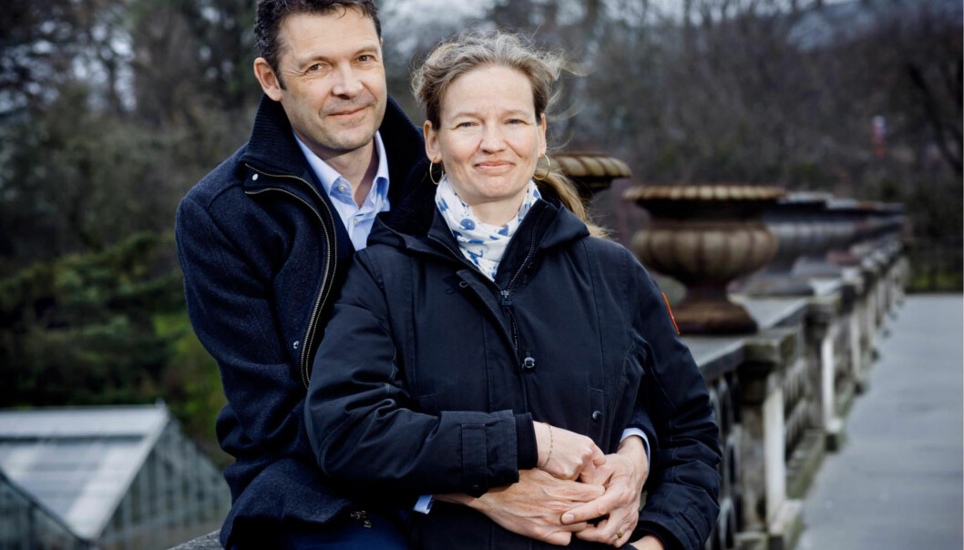 <strong>STØTTENDE:</strong> - Peter er eksepsjonell, sier Rikke om mannen sin, som satt ved sengen i ukevis og skrev dagbok mens hun lå i koma. FOTO: CLAUS BOESEN.