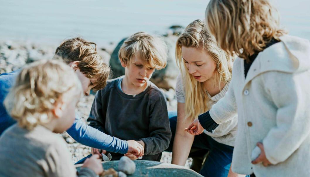 VELGER TID: - Penger kan man alltid tjene, men tiden kommer ikke igjen, sier Maj My som elsker å leve på rolige Ærø sammen med familien sin.