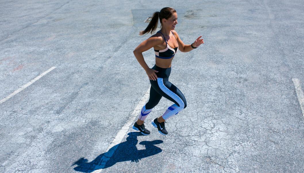 JOGGETUR: Favorittreningsformen til Maren er en løpetur ute i skogen. FOTO: Victoria Nevland