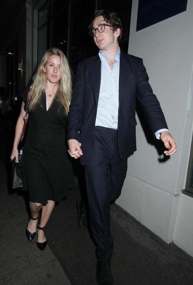 <strong>LYKKELIG:</strong> Sangstjernen Ellie Goulding skal være svært lykkelig etter at hun forlovet seg med kjæresten Caspar Jopling etter 18 måneder som kjærester. Foto: NTB Scanpix