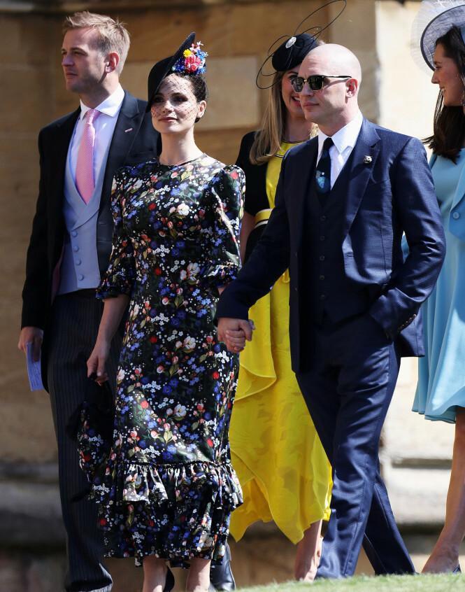 <strong>STØTTER VENNEN:</strong> Tom Hardy og kona Charlotte Riley i prins Harry og hertuginne Meghans bryllup i mai. Foto: NTB Scanpix