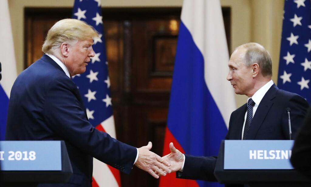INNFØRER SANKSJONER: USA innfører sanksjoner mot Russland. Her fra da de møtte i Helsinki tidligere i sommer. Foto: NTB scanpix