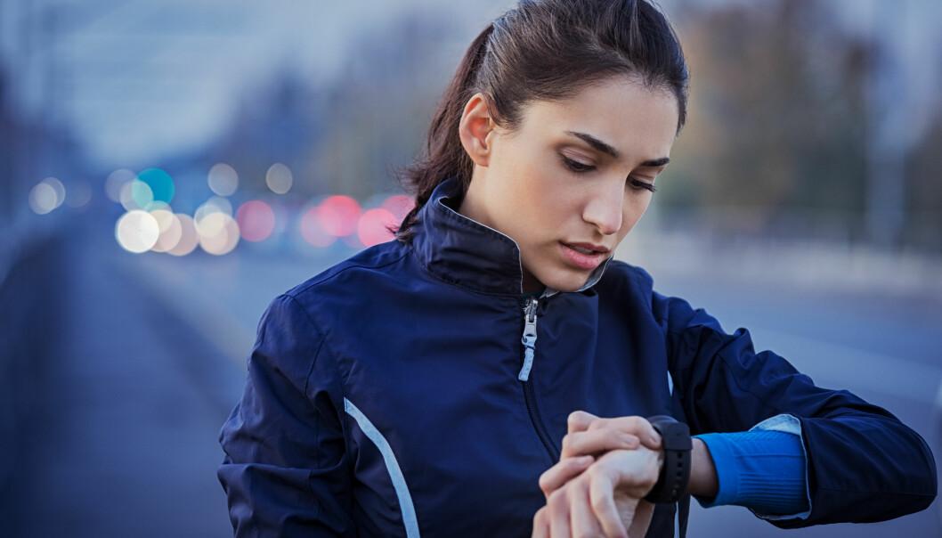 GODT VERKTØY: For mange er aktivitetsmåleren et godt verktøy på trening, mens det er noen som blir for opphengt i tallene. FOTO: NTB Scanpix
