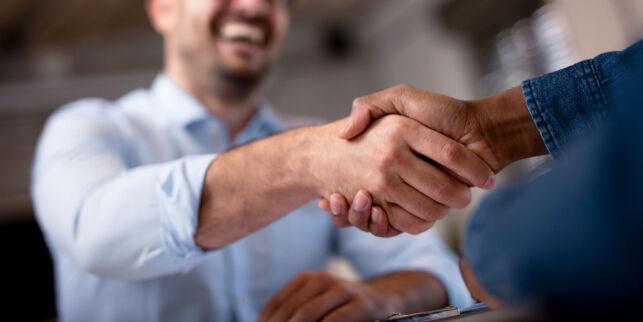 image: Håndhilsing og andre kulturkollisjoner i arbeidslivet
