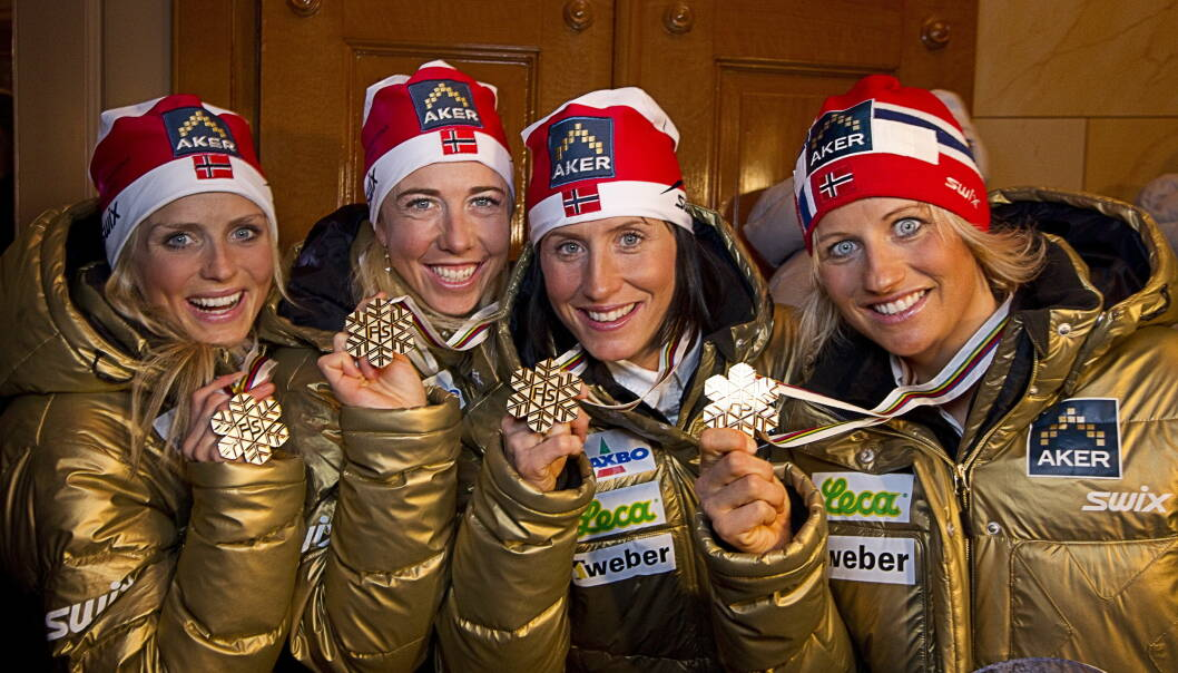GULLJENTENE: Therese Johaug (t.v), Kristin Størmer Steira og Marit Bjørgen skal bære kisten under Vibeke Skofteruds begravelse. Foto: NTB scanpix