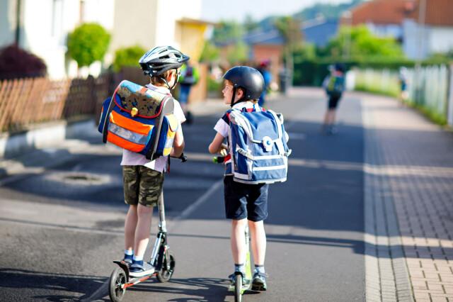 ba945016 SKOLETID: Flere foreldre vil bruke tusenvis av kroner på nye ting til barna  før skolestart