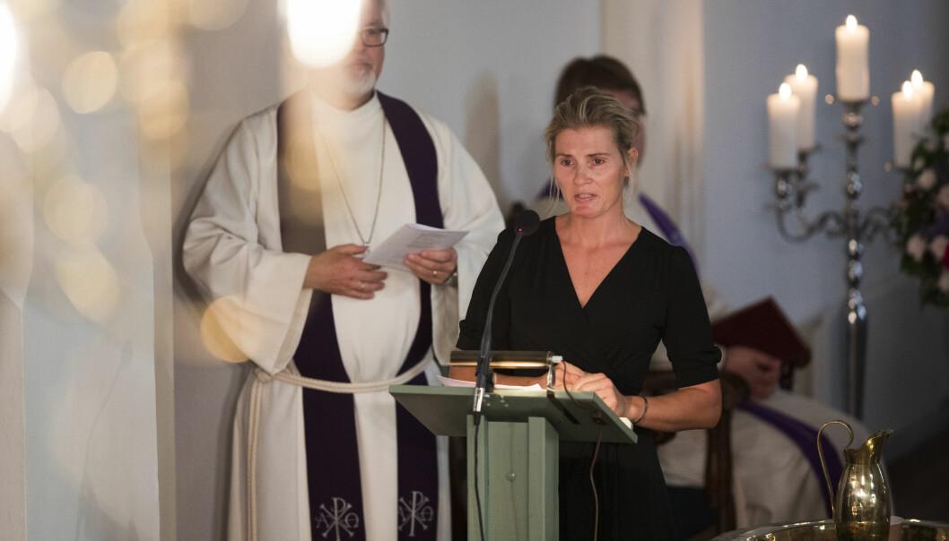 VIBEKE SKOFTERUD BEGRAVELSE: Kjæresten Marit Stenshorne holdt en sterk og personlig tale under begravelsen. FOTO: Trond Reidar Teigen / NTB scanpix