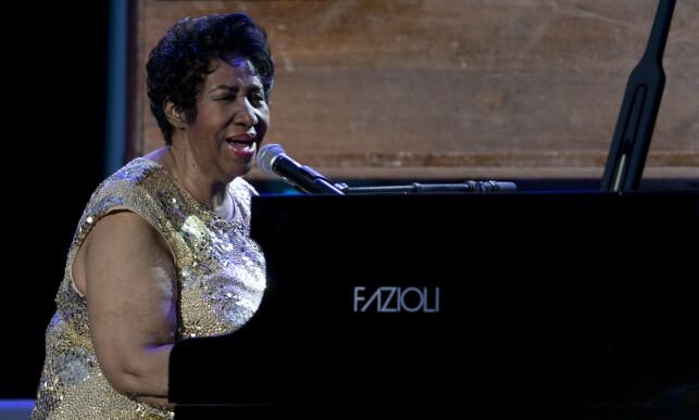 SANG FOR PRESIDENTEN: Aretha Franklin var blant artistene som spilte da Barack Obama ble innsatt som president i 2009. Foto: AP / NTB scanpix