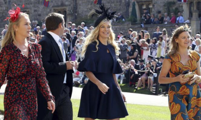 I BRYLLUPET: Chelsy Davy dukket opp smilende utenfor kirken da Harry giftet seg med Meghan. Foto: NTB Scanpix