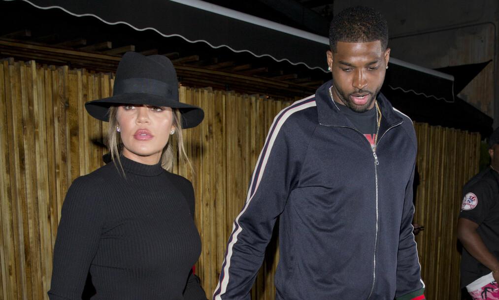 HAR EN DATTER SAMMEN: Den ferske moren Khloé Kardashian fikk oppmerksomhet fra fansen etter at hun deltok i lillesøsterens fest i helgen. Her avbildet med kjæresten, Tristan Thompson. Foto: NTB scanpix