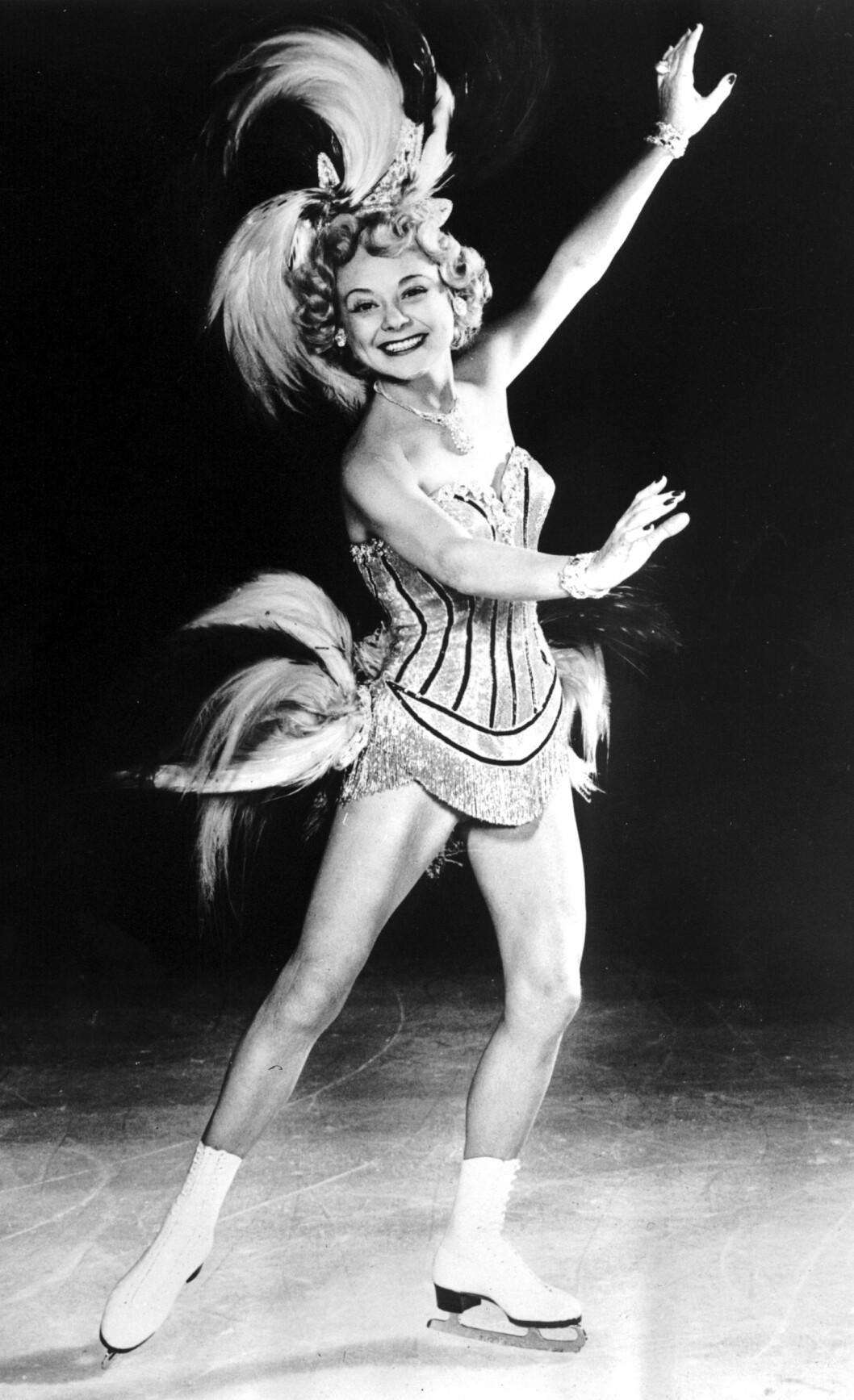 <strong>BLE 57 ÅR:</strong> Den 12. oktober 1969 døde Sonja Henie om bord på et fly mellom Paris og Oslo. Året i forveien hadde hun fått diagnosen leukemi. Dette bildet er fra 1953. FOTO: NTB Scanpix