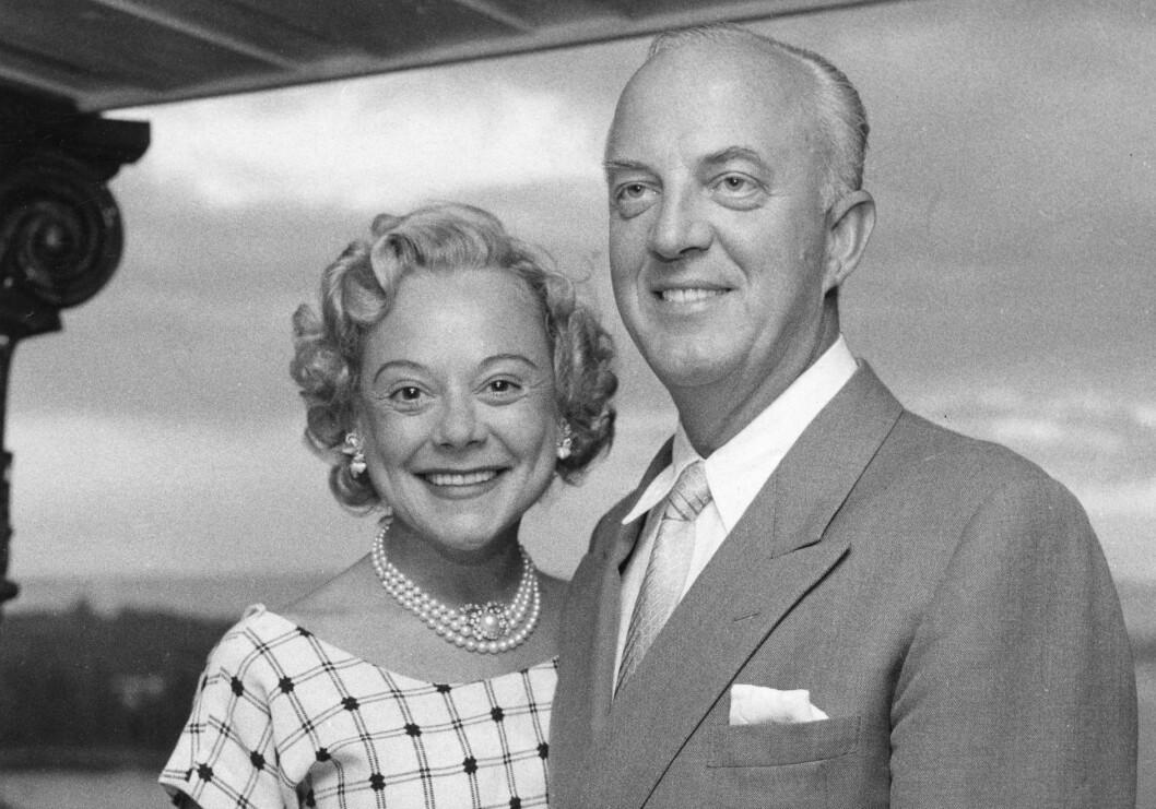 <strong>EKTEMANN NUMMER TRE:</strong> Kort tid etter sin andre skilsmisse, i juni 1956, giftet Sonja Henie seg med den norske skipsrederen Niels Onstad. De forble gift til hennes død i 1969. FOTO: NTB Scanpix