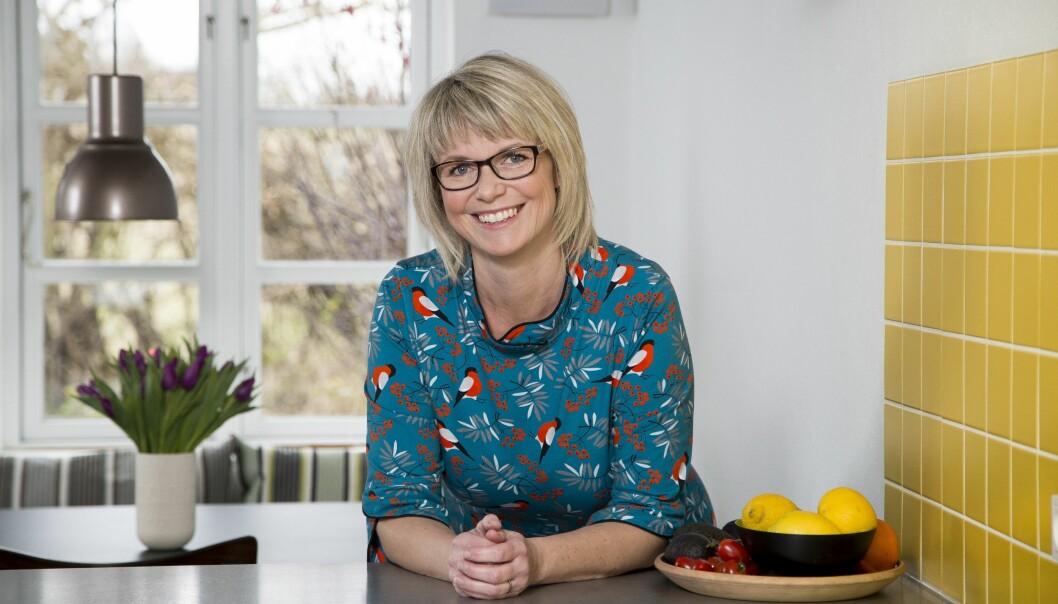 ØKONOMI: – Nå kan jeg med stolthet si at jeg er en sånn som har kontroll på pengene, sier Pernille Robdrup (44). Hun har startet firmaet Penge&Power, der hun tilbyr hjelp til andre som har problemer med økonomien. FOTO: Heidi Lundsgaard