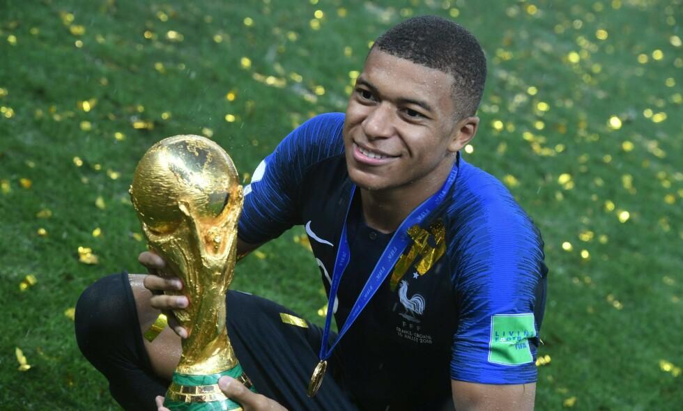 SUPERSTJERNE MED VM-GULL: PSGs Kylian Mbappé var med på å vinne VM med Frankrike. Foto: Kirill Kudryavtsev / AFP / NTB Scanpix