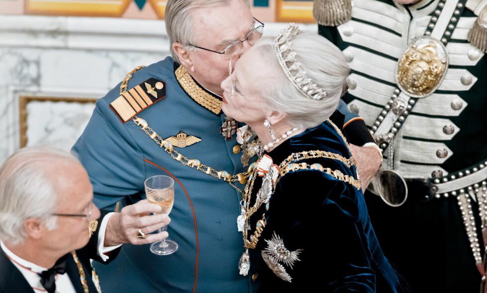 MISTET EKTEMANNEN: I februar gikk prins Henrik bort. Nå oppfyller dronning Margrethe hans ønske om gravsted. Foto: NTB Scanpix
