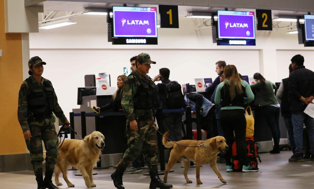 BOMBETRUSLER: Et av flyene som ble tvunget til å nødlande i natt var på vei fra Jorge Chavez-flyplassen like utenfor Perus hovestad Lima. Foto: REUTERS / Mariana Bazo / NTB scanpix