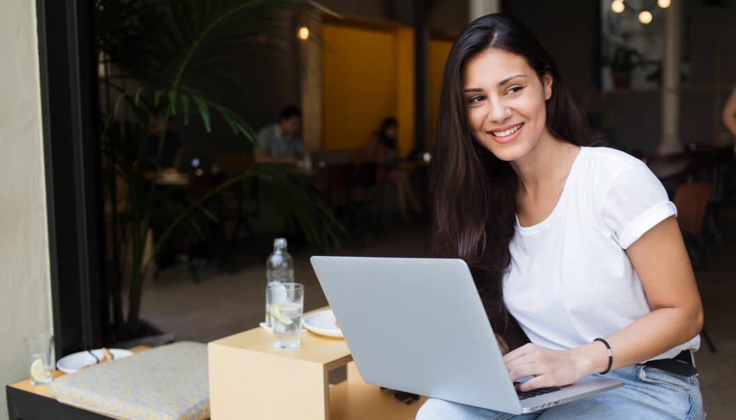 NETTDATING: De vi kontakter på nett er 25 prosent mer populære enn oss, ifølge forskning. FOTO: NTB Scanpix