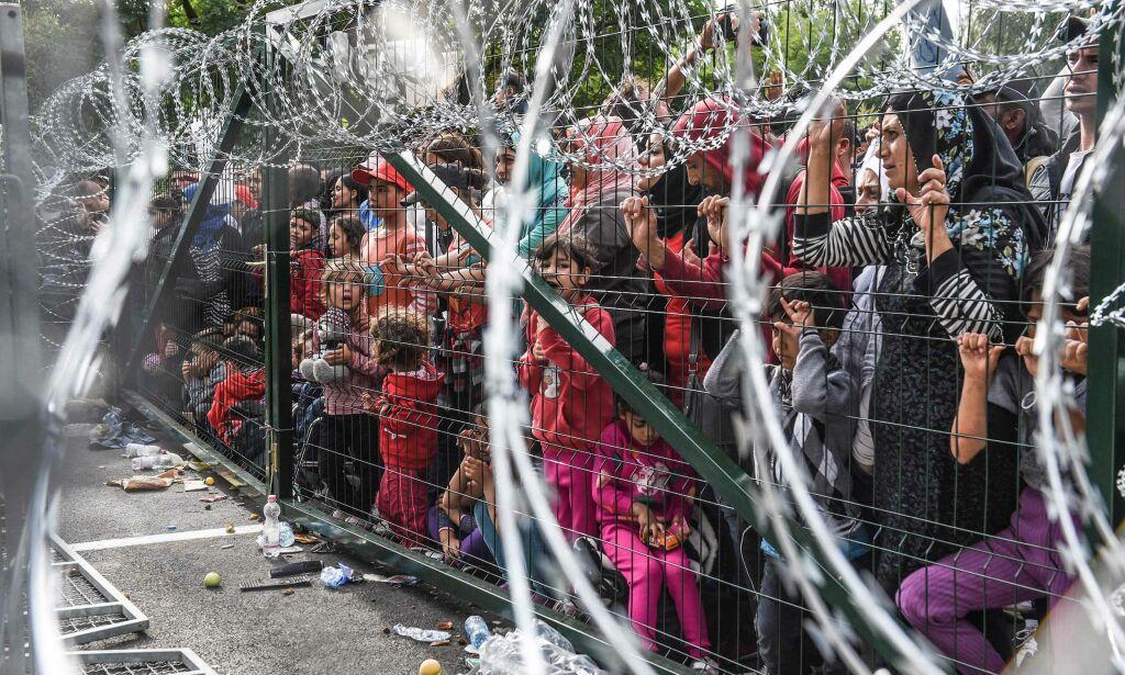 image: Her er det kriminelt å hjelpe migranter