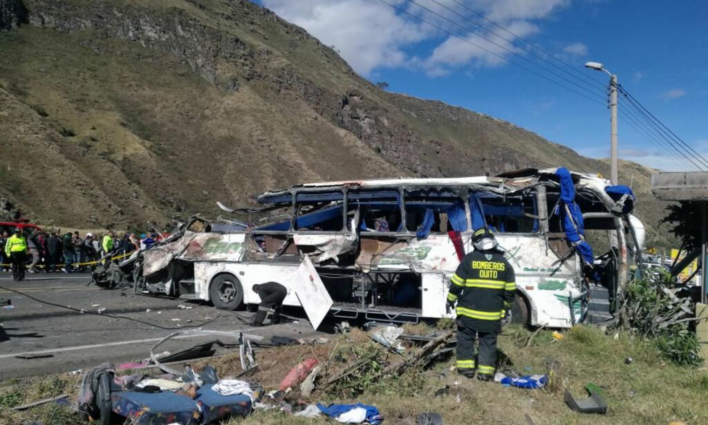 DØDSULYKKE: 23 mennesker omkom og 22 ble skadd i ulykken i nærheten av hovedstaden Quito. Foto: NTB Scanpix