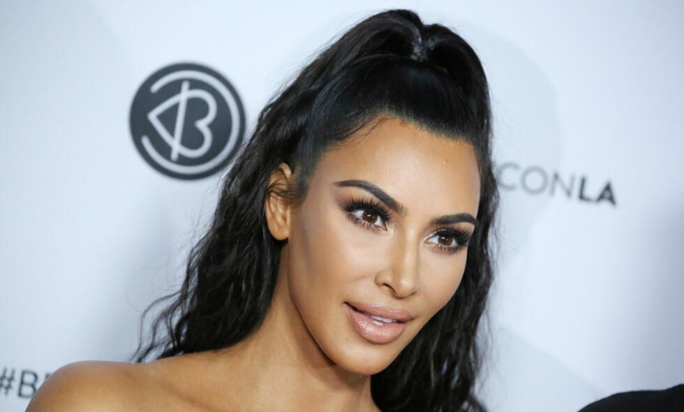 ANGRER: Kim Kardashian har gått til alters hele tre ganger. Ikke alle ekteskapene er hun like fornøyd med i dag. Foto: NTB Scanpix