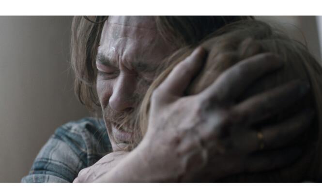 KREVENDE ROLLE: I «Skjelvet»spiller Kristoffer Joner geologen Kristian Eikjord - som rives mellom farsrollen og det ufrivillige oppdraget med å redde Oslo-borgerne fra det store jordskjelvet. FOTO: Fantefilm / Nordisk Film Distribusjon