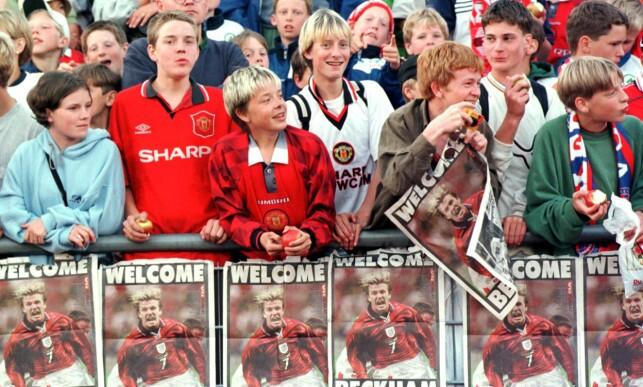 VAR I NORGE: Den norske Manchester United-fansen ga David Beckham en varm velkomst da Manchester United gjestet Vålerenga i Oslo. Foto: Lars Aamodt/NTB Scanpix