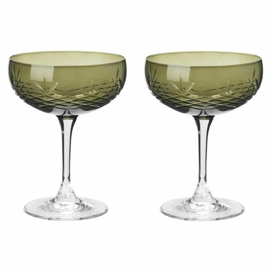Glass fra Frederik Bagger |599,-| https://www.millaboutique.no/nyheter/crispy-gatsby-2pk-emerald-green