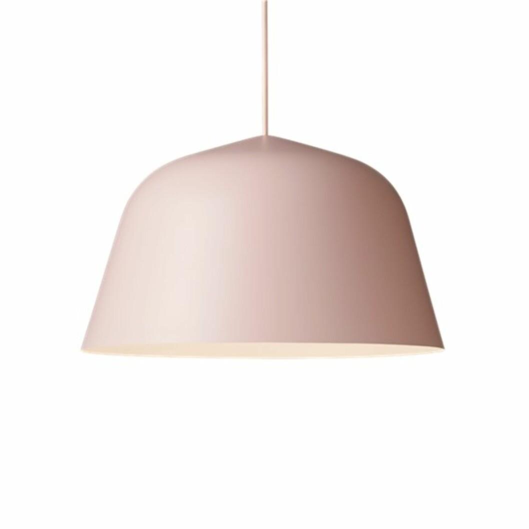 Lampe fra Muuto |1550,-| https://www.hviit.no/products/ambit-lampe-dusty-rose