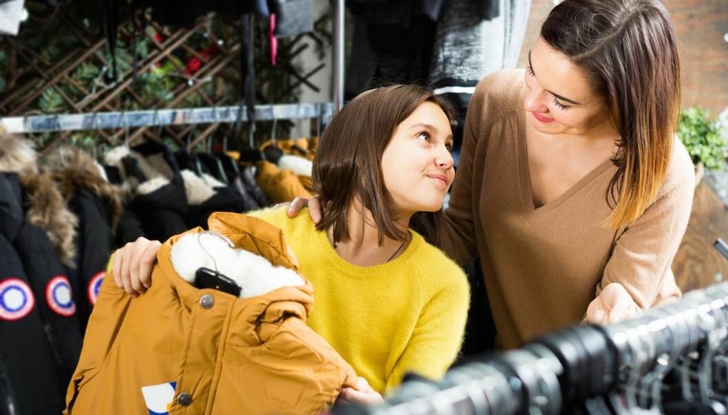 NYTT OG DYRT: «Mamma, vær så snill, alle har sånn jakke». Foto: Scanpix.