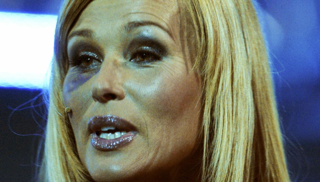 STOR BLÅVEIS: Under Gullruten-utdelingen i Bergen i 2007, stilte Dorthe Skappel med blått øye etter den dramatiske ulykken på kunstløpisen. Foto: Marit Hommedal / NTB scanpix