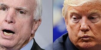Angriper avdøde McCain igjen