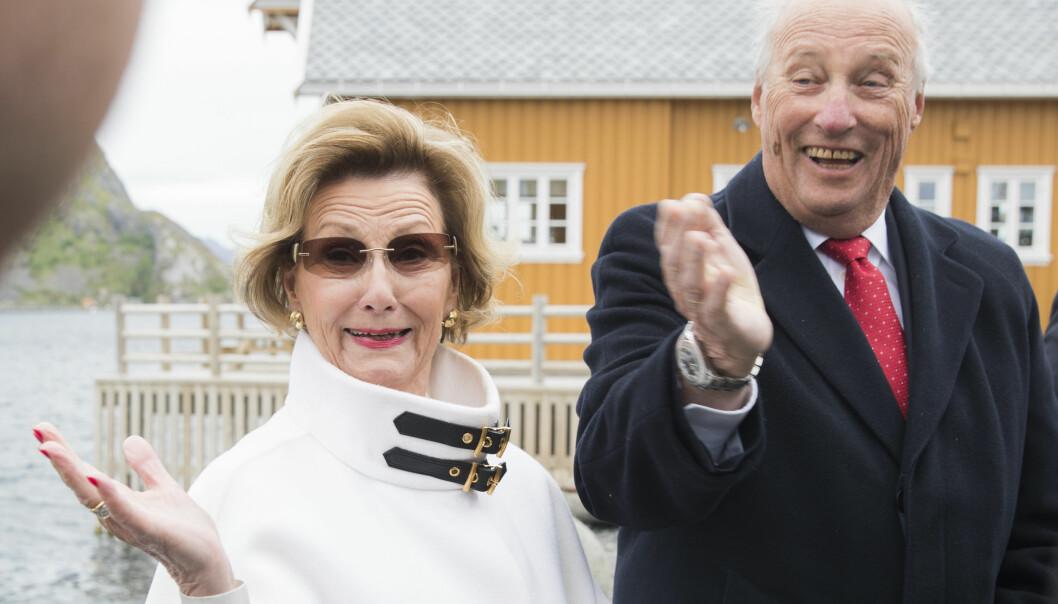 KONGEN JOBBER MEST: Kong Harald jobbet nesten dobbelt så mye som dronning Sonja ifjor. Foto: NTB Scanpix