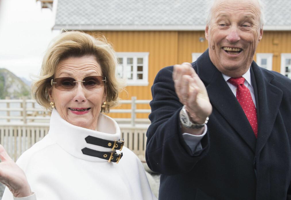 FESTKLARE: Neste uke feires gullbryllupet til det norske kongeparet, og folket er invitert til å feire den store dagen med dem. Foto: Berit Roald / NTB scanpix
