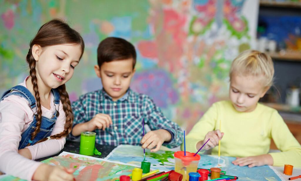 NYSGJERRIGHET SKAPER KREATIVITET: - Mange av de barna jeg har møtt som bruker all tid til spilling, lurer verken på noe av det vi driver med på skolen, eller er nysgjerrige på noe av det vi opplever sammen eller hører om. Det eneste de lurer på, er når de kan få sette seg ned og spille mer, skriver lærer Håvard Tjora. Illustrasjonsfoto: Scanpix/Shutterstock