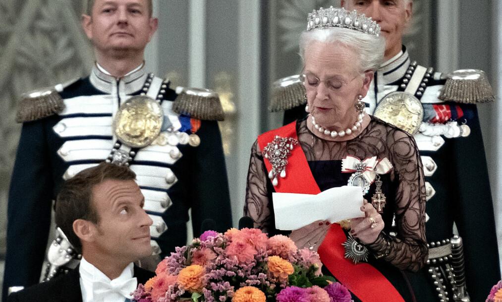 - ÆRLIG: Tirsdag tok dronning Margrethe imot Frankrikes president Emmanuel Macron på Amalienborg. Talen hun holdt har vakt oppsikt i Danmark. Foto: NTB Scanpix