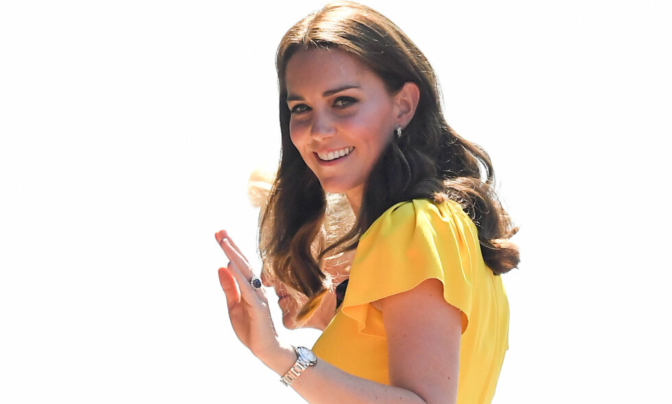 HÅRSVEIS: Hertuginne Kate slik vi oftest ser henne; med krøller og håret ned. Foto: NTB Scanpix