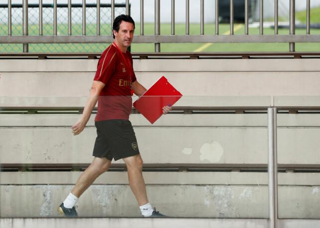 FOTBALLNERD: Unai Emery puster og ånder fotball. Foto: REUTERS/Edgar Su/NTB Scanpix